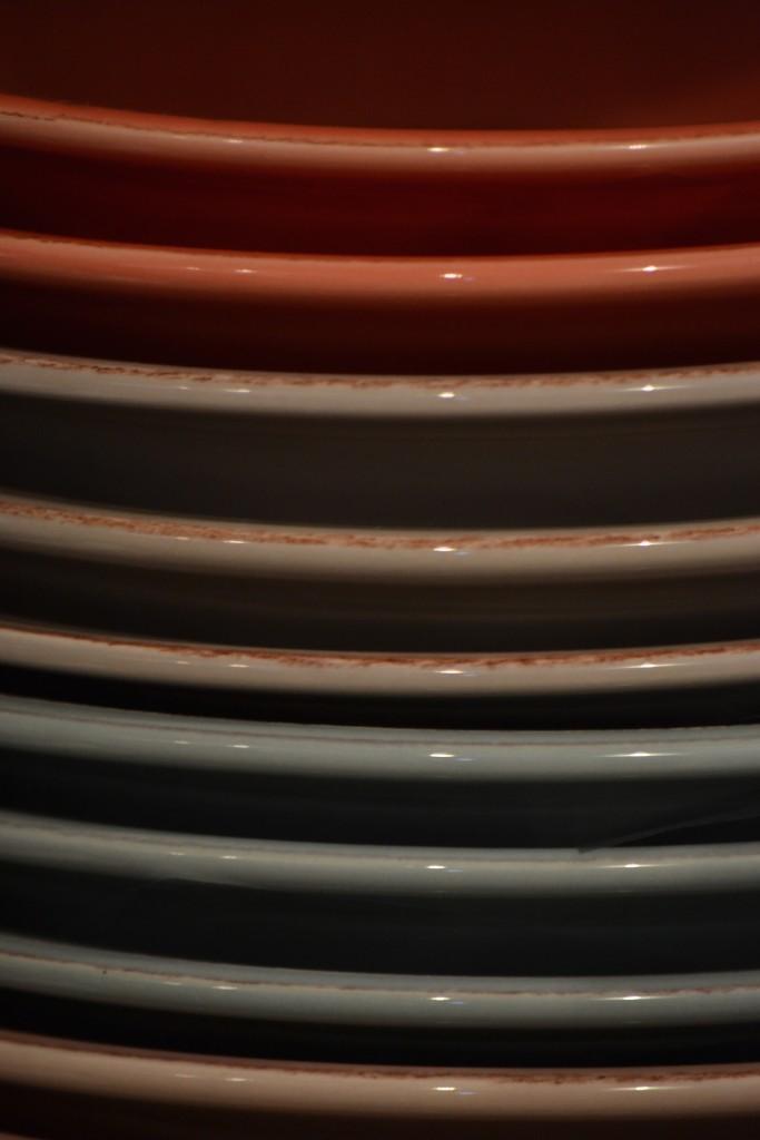 Servizio piatti colorati