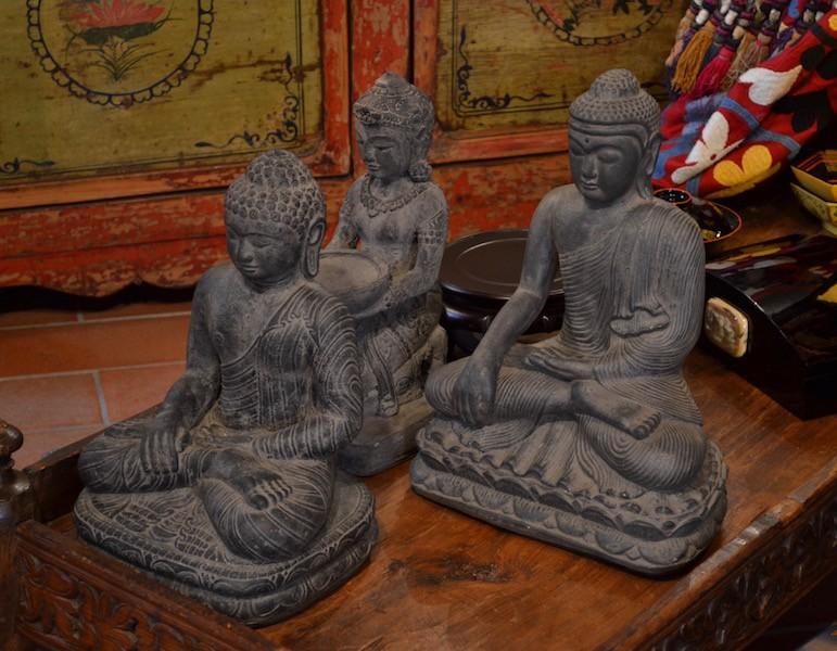 Buddha in pietra lavica