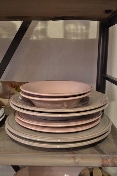 Servizi piatti colorati
