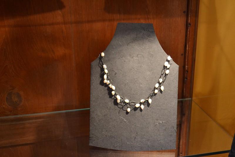 Collana con catena e pietre semi preziose